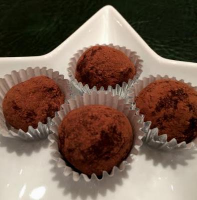 nut-free-festive-truffles-close-up